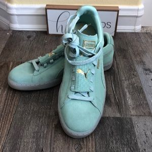 Puma 9.5 Mint Gold Suede Sneakers NWT